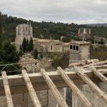 toiture et vue sur l'abbaye
